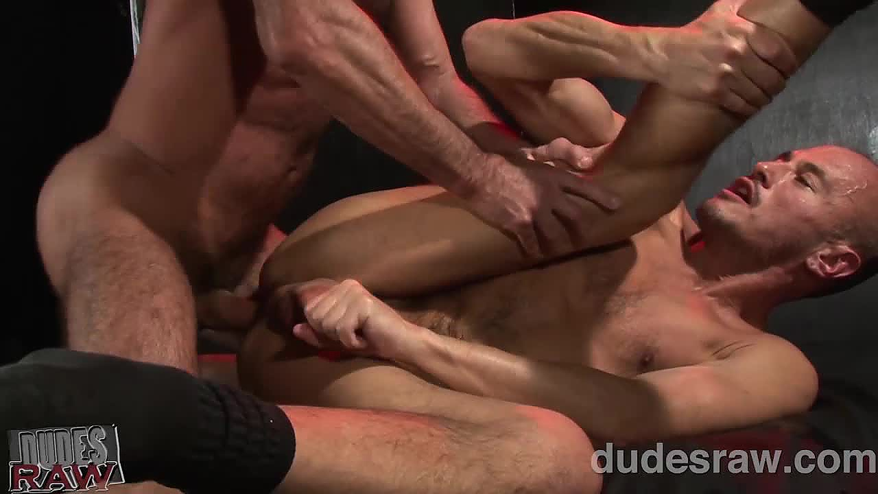 Dudesraw dick pig jayson park gets his ass bred